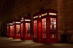untold moresels - phone-booth-london-night-1440x960